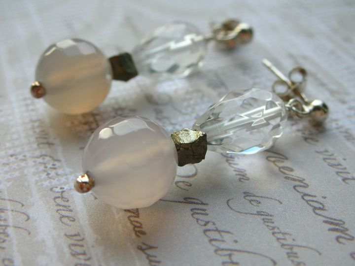 Agate & quartz earrings