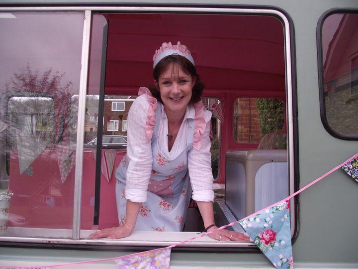 The 1950 icecream lady look