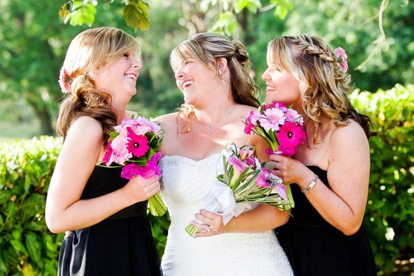 Bride in the Garden (Robert Hooper Photography)