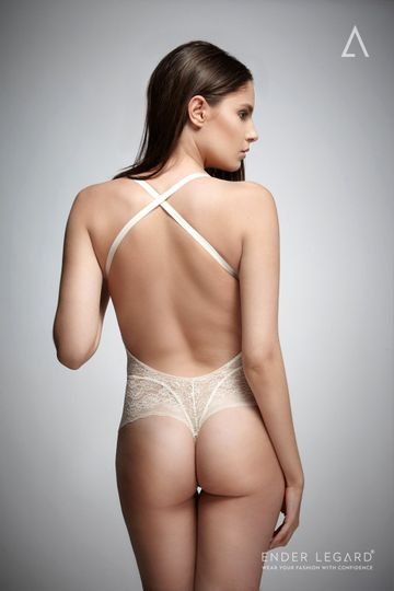 HOLLY backless bodysuit ivory