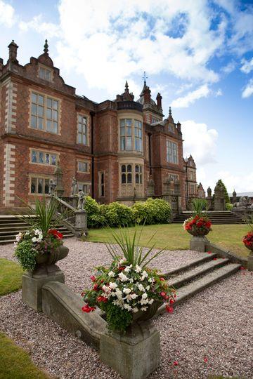 8 acres of elegant gardens