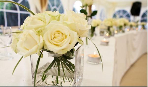 Guest table arrangement