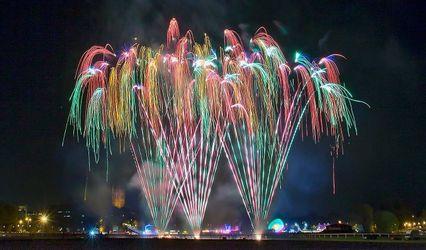 Temple Fireworks 1