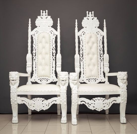 The throne chairs for hire