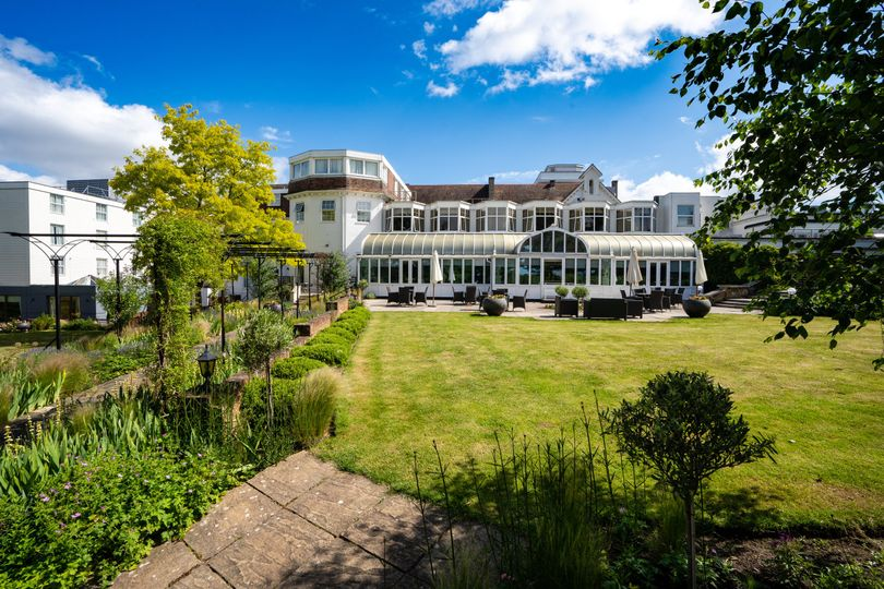 bromley court hotel evoke pictures lifestyle 2 4 183365 160223565476874