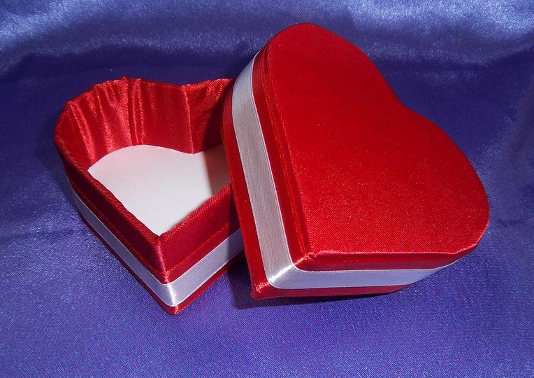 Red & White Heart Shape Box