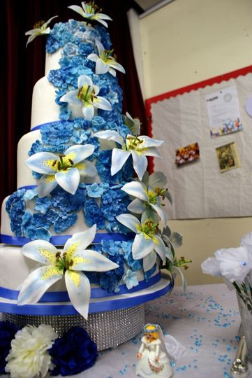Blue floral icing
