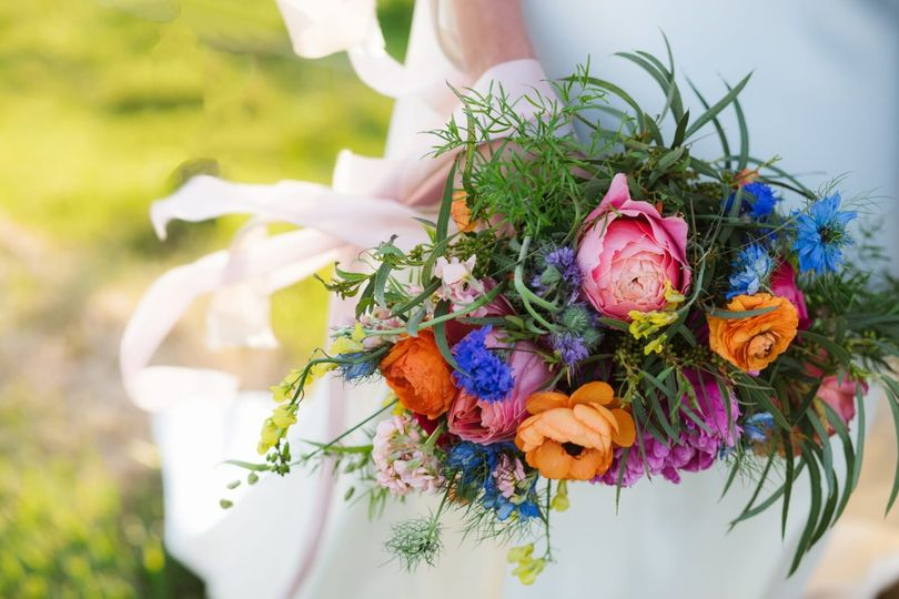 Bridal bouquet with silk trail