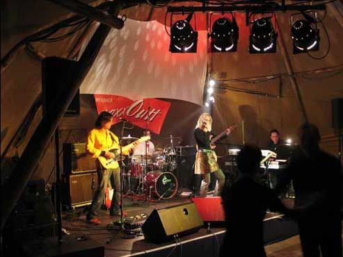 Party Giant Tipi Band