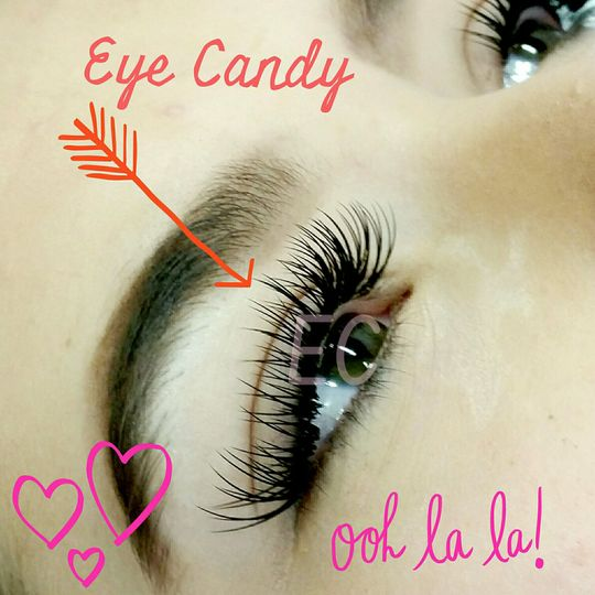 Curly full lash extensions
