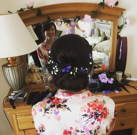 Wedding hair flower power