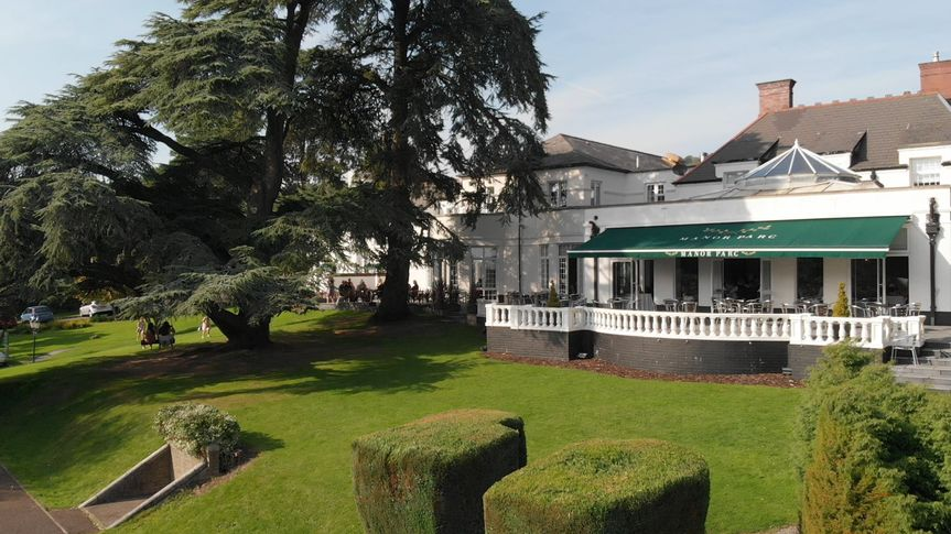 Manor Parc Hotel and Restaurant