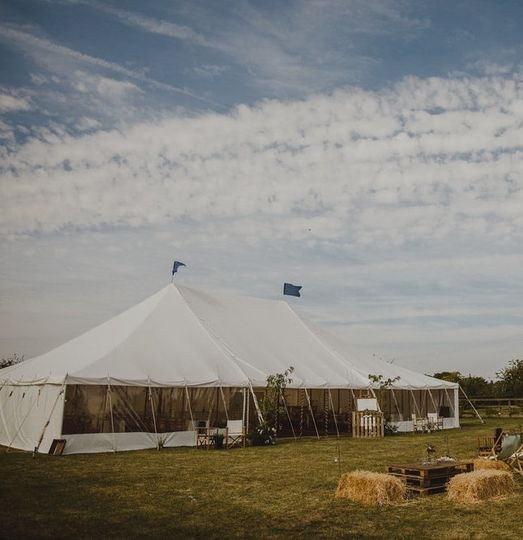 For rustic countryside weddings
