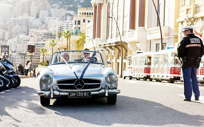 Newlyweds in a classic car