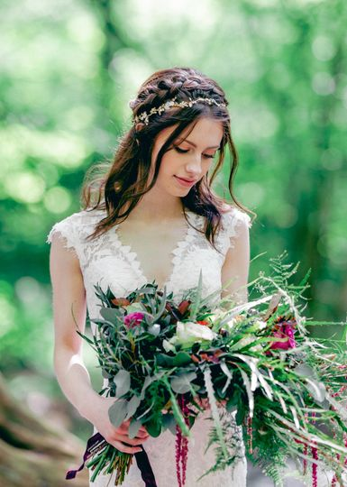 Bride holding a bouquet - Hayley Jayne Photography
