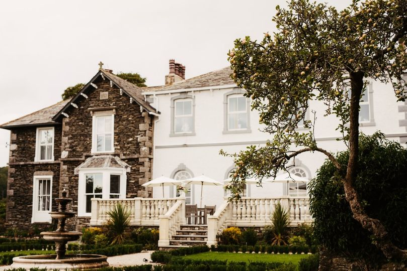 Cartmel Old Grammar Country House 8