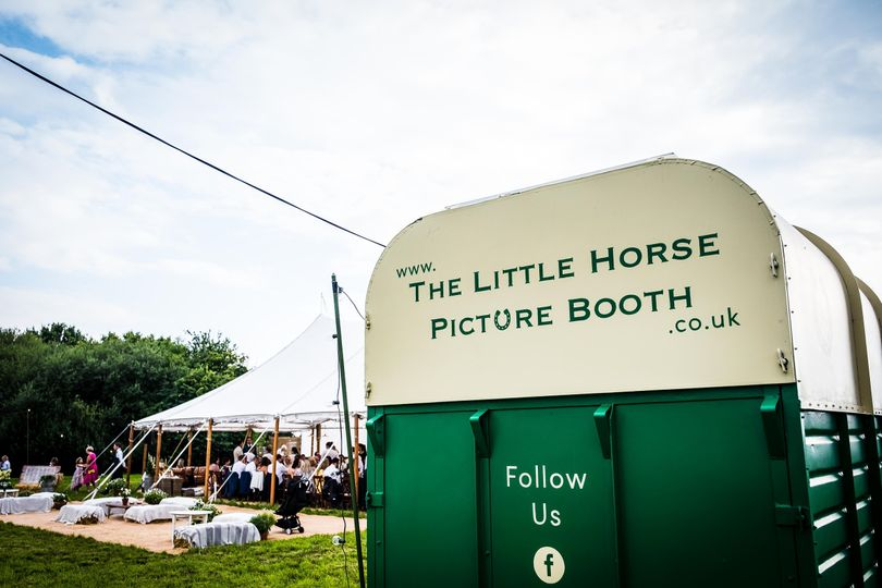 Photo Booths The Little Horse Picture Booth 9