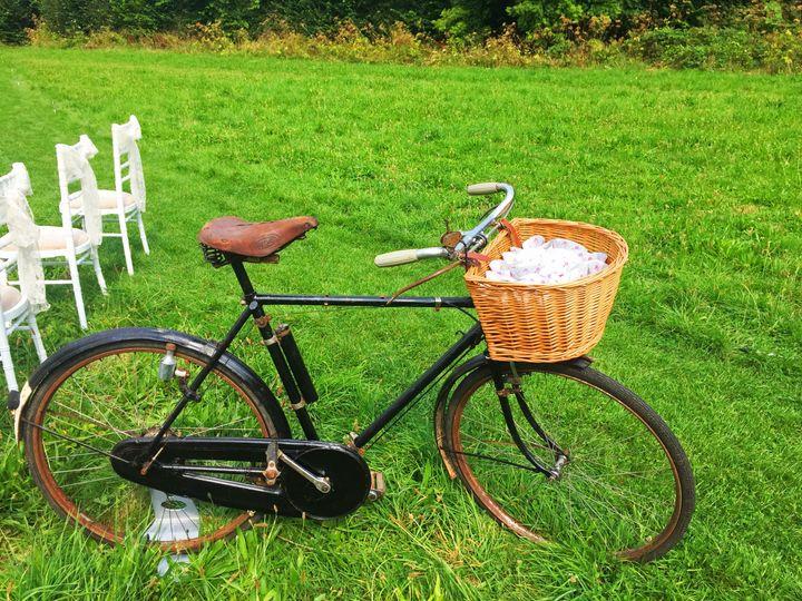 Rustic Wedding Confetti Bicycle