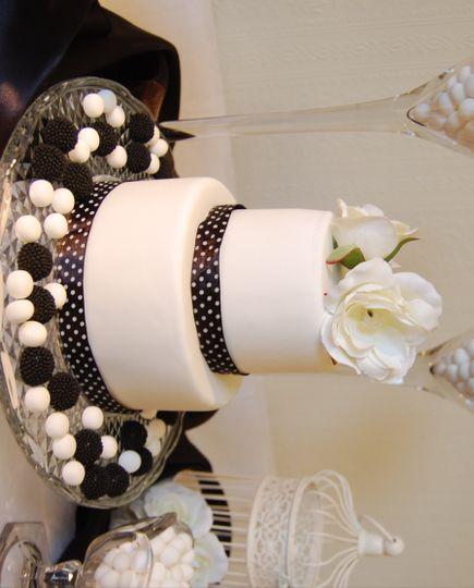Wedding cake & sweet bar