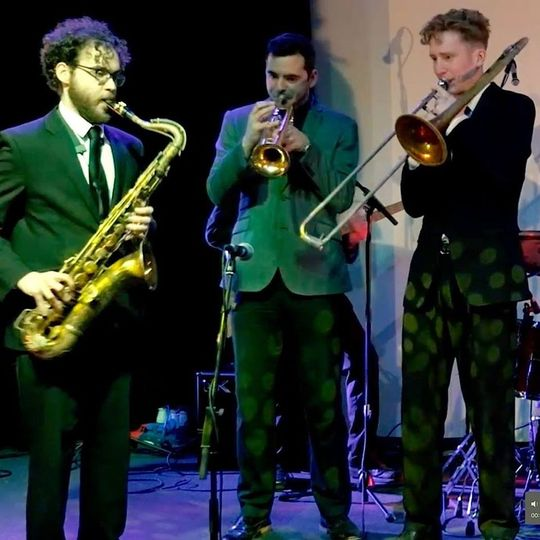 Music and DJs The London Swing and Soul Band 9