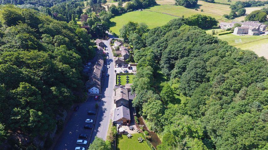 The Woodman Inn & Thunderbridge Gardens 52