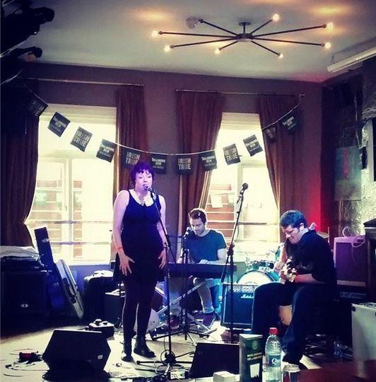 Trio: Keys, guitar voice