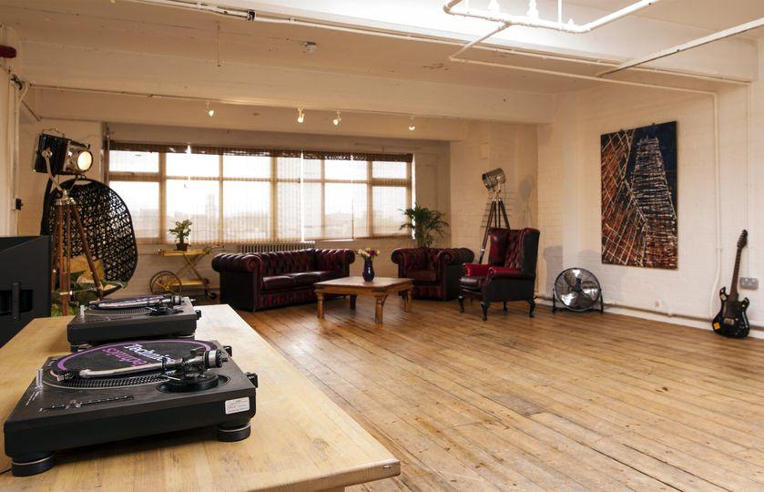 4th Floor Studios 76