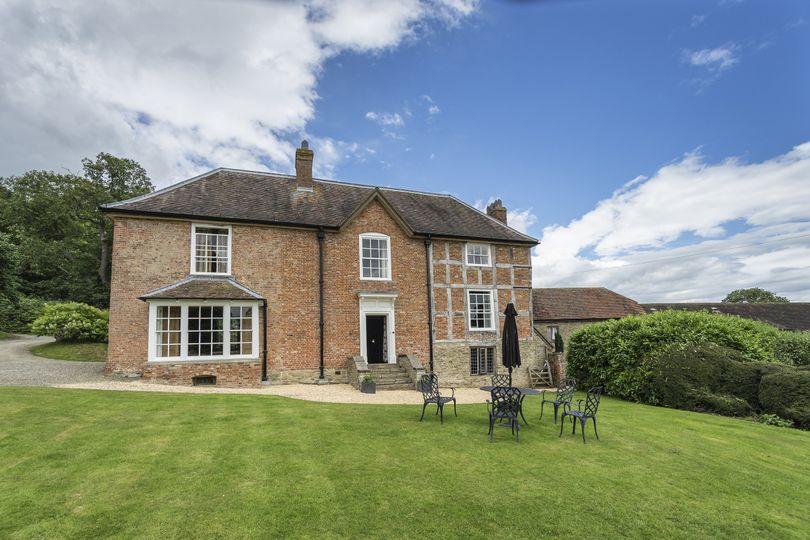 Old Downton Lodge 20