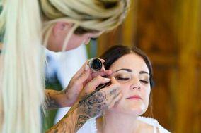 Helena Larsen Makeup