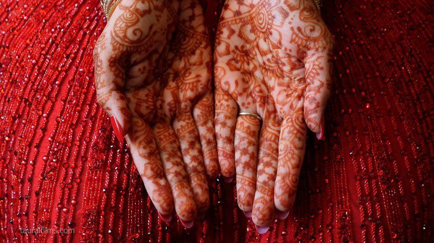 Mesmerizing henna