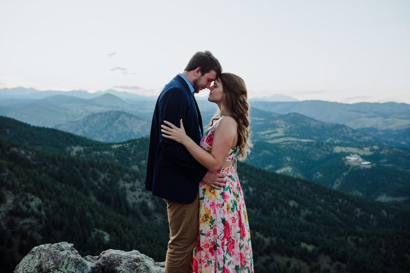 Sharing a quiet moment - Thistle + Stone Photography