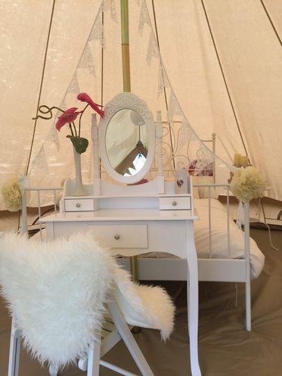 Bridal bell suite
