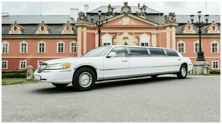 Lincoln Town Limo