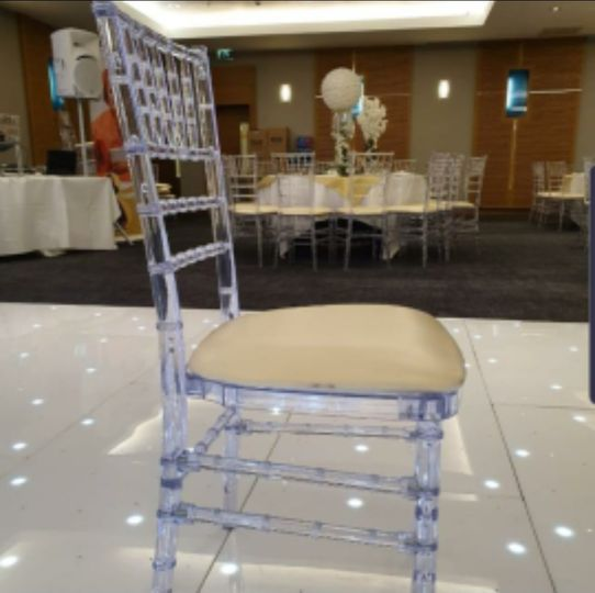 Ghost chair hire, clear chiavari chairs
