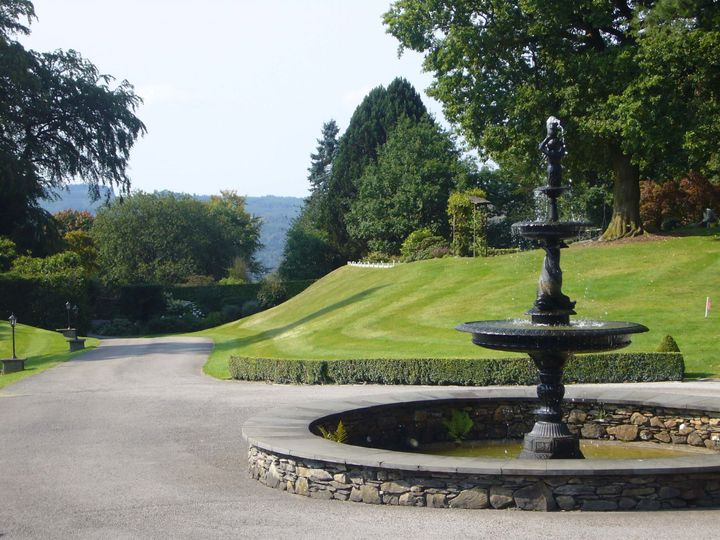 The Fountain & Driveway at Broadoaks