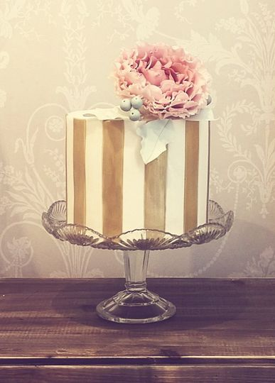 Peony striped cake