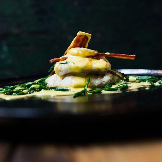 Cod, hollandaise, egg
