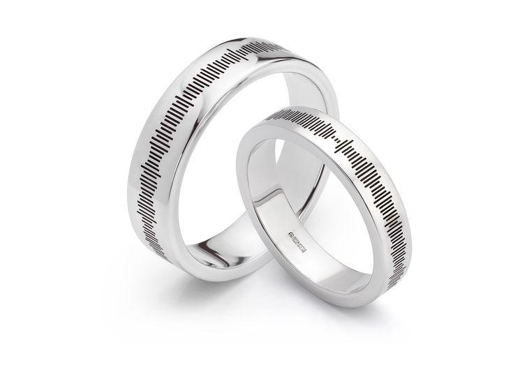 Sound pattern wedding rings