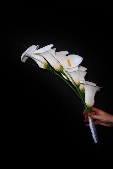 Paper calla lily arm sheaf.