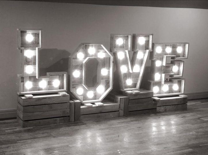Rustic 3ft LED Love