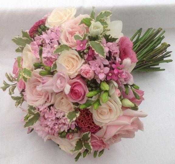 Pink & cream bouquet