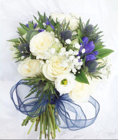 Rose & thistle bouquet