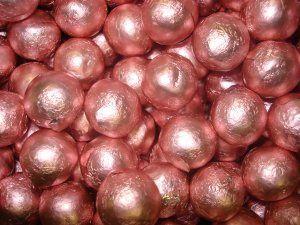 Light 20pink 20foil 20chocolate 20balls