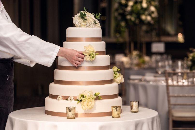 Wedding cake finishing touches - Hyatt Regency London - The Churchill
