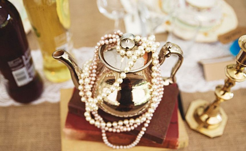 Teapot with pearls