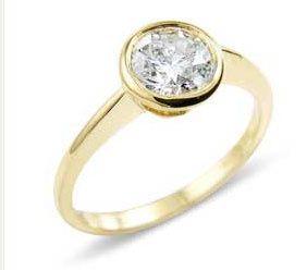 Set diamond solitaire ring