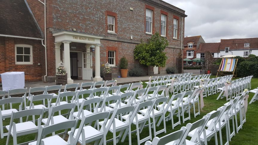 Outside ceremony seating