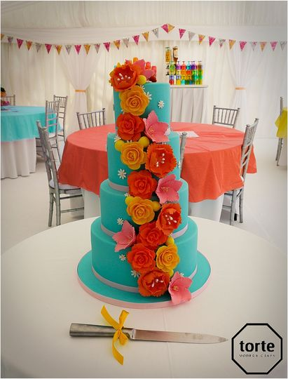 summer wedding cake 4 114329 v1