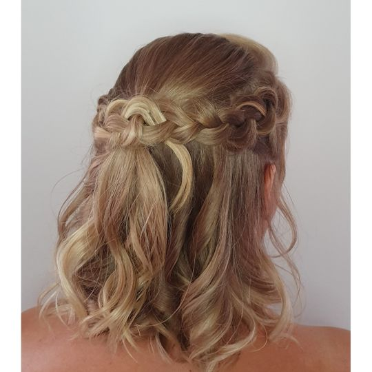 Beauty, Hair & Make Up Avasa 1
