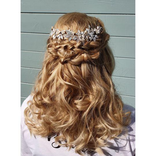 Beauty, Hair & Make Up Avasa 2